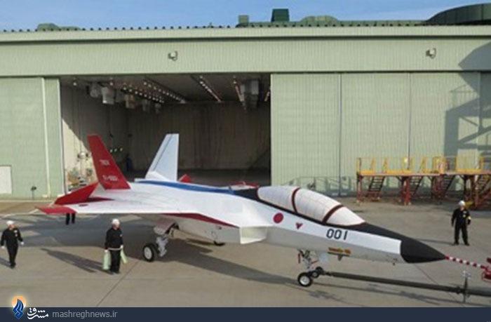 جنگنده رادار گریز ژاپن پرواز می کند