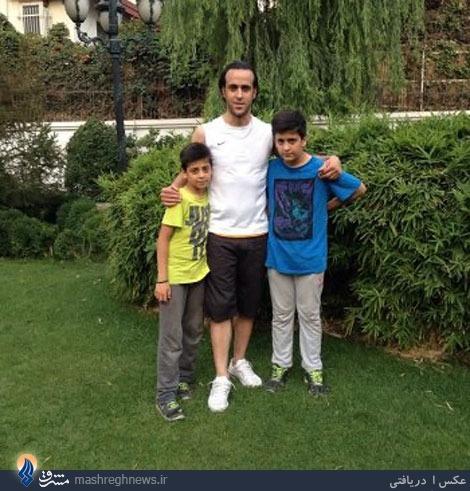 عکس/ علی كریمی در كنار دو پسرش