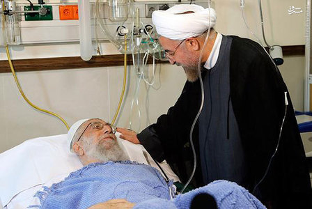 مرندی:وضعیت عمومی رهبر انقلاب کاملاً خوب و طبیعی است/ رضایت کامل از عمل جراحی