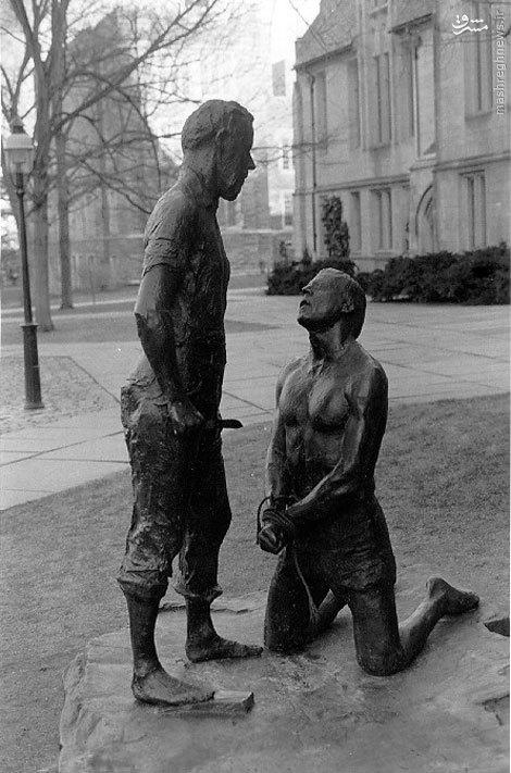 عکس/ مجسمه دو پیامبر در دانشگاه پریسنتون