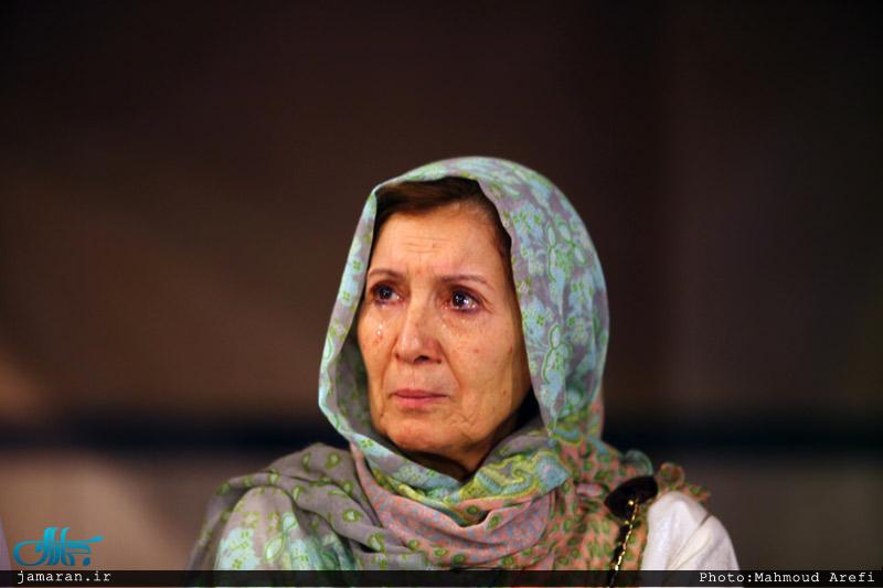 گريههاي بانوي مبارز الجزايري در جماران+عکس