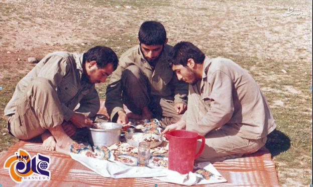 عکس/ همسفره با شهیدان