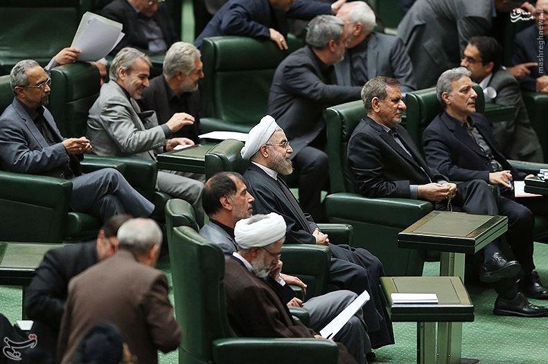 موافقان:نیلی حاشیههای سیاسی ندارد/ مخالفان: نیلی نمیتواند در دانشگاهها آرامش برقرار کند/ روحانی: لجبازی نمیکنیم