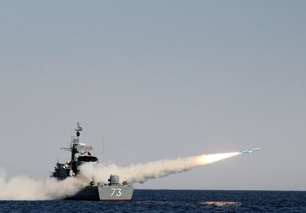 مشت ارتش در دریا محکمتر شد/ از سیریک و کلات تا گناوه و نجم «موشکانداز» شدند