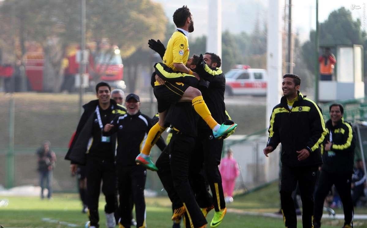 عکس/ رکورد پرش ارتفاع در فوتبال!