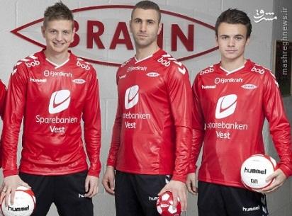 عکس/ لباس متفاوت یک تیم فوتبال