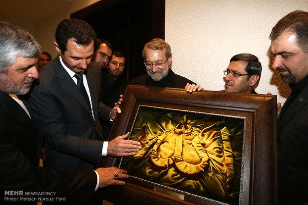 عکس/ هدیه لاریجانی به بشار اسد
