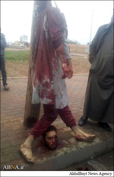 عکس/ داعش دو شیعه را سر بُرید (18+)