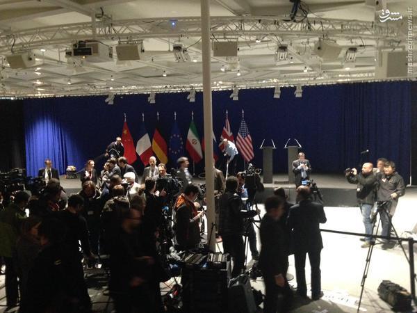 انتقال خبرنگاران به محل قرائت بیانیه مشترک/نشست خبری پایانی مذاکرات تا ساعتی دیگر/ باراک اوباما پس از اعلام بیانیه سخنرانی خواهد کرد +تصاویر و فیلم