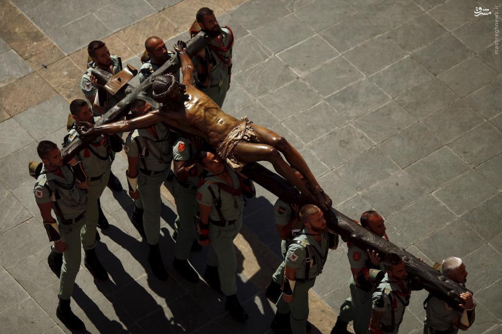 مراسم خرافی مصلوب کردن