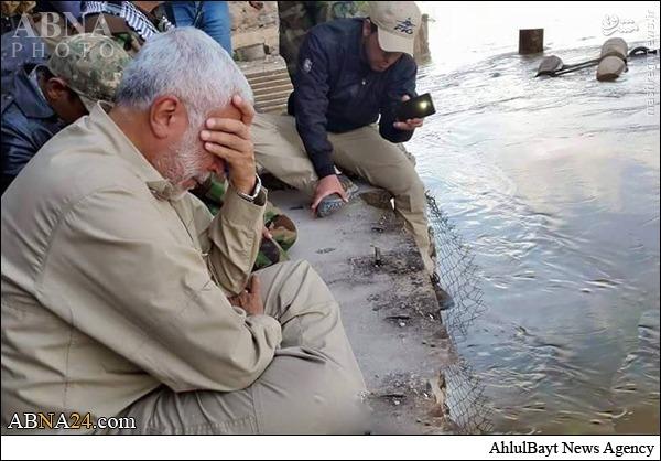 عکس/ گریستن فرمانده نیروهای حشد شعبی در قتلگاه اسپایکر