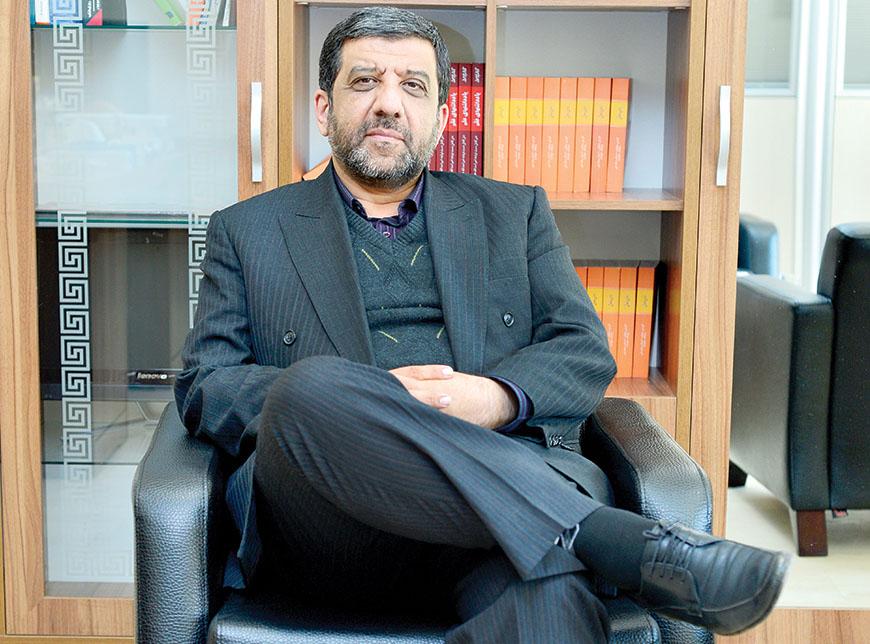 احمدینژاد در ماجرای مصلحی به انحراف کشیده شد/ رهبر انقلاب در جلسه با دولت روحانی فرمودند انصاف را رعایت کنید/ از دفتر رهبری برای تأخیر در مصاحبه رییس جمهور اختیار تام به من دادند/ درباره نامزدی خودم در ریاست جمهوری شایعاتی شنیدم