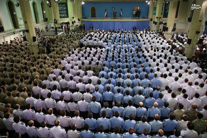 عکس/ نظم افسران ارتشی در دیدار رهبر انقلاب