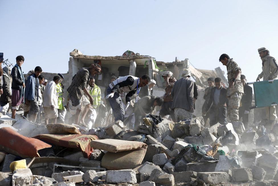حمله هوایی سعودیها به بازار صعده/ اخبار ضد و نقیض از کشته شدن پسر دیکتاتور