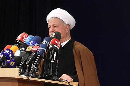 1393017 369 چرا هاشمی در آستانه انتخابات اینقدر از ناامنی سخن میگوید؟