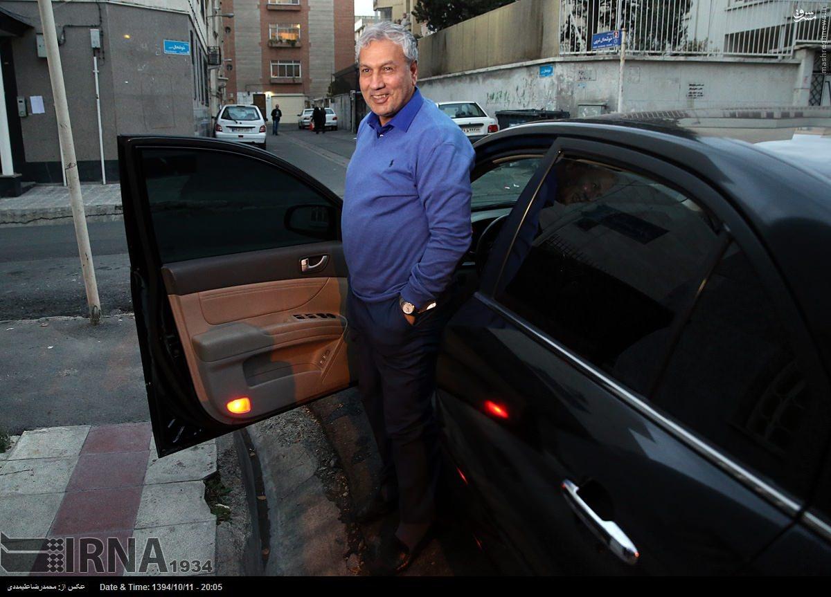 عکس/ وزیر کار پشت چه ماشینی می نشیند؟