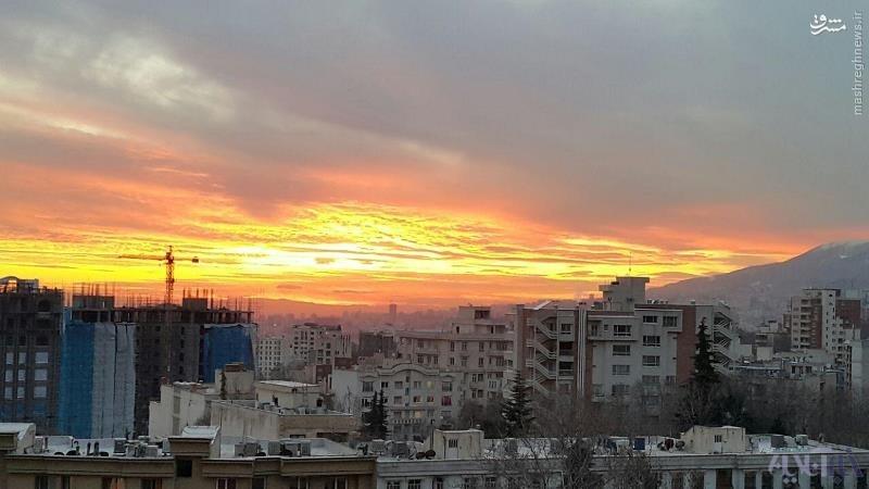 عکس/ غروب آفتاب در آسمان پاک تهران