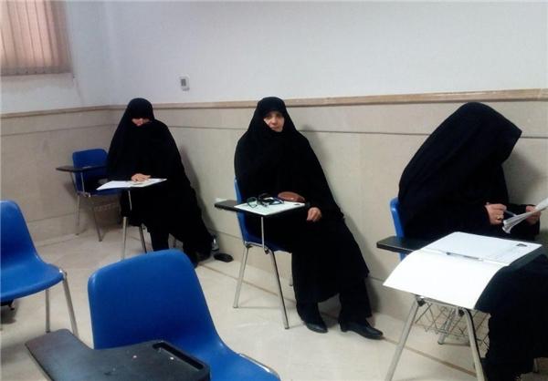 آزمون خبرگان بدون حضور چهرههای سرشناس آغاز شد/ حضور ۲ داوطلب زن