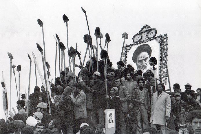 Risultati immagini per ایران انقلاب 57 خمینی حزب توده
