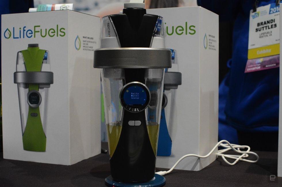 اولین قمقمه آب هوشمند جهان رونمایی شد +عکس