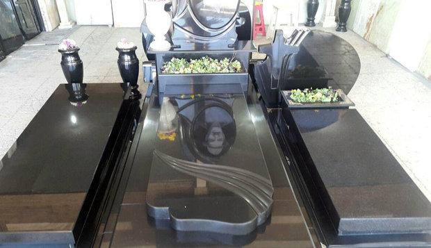 مردگان«فشن» در گورستان پایتخت+ عکس