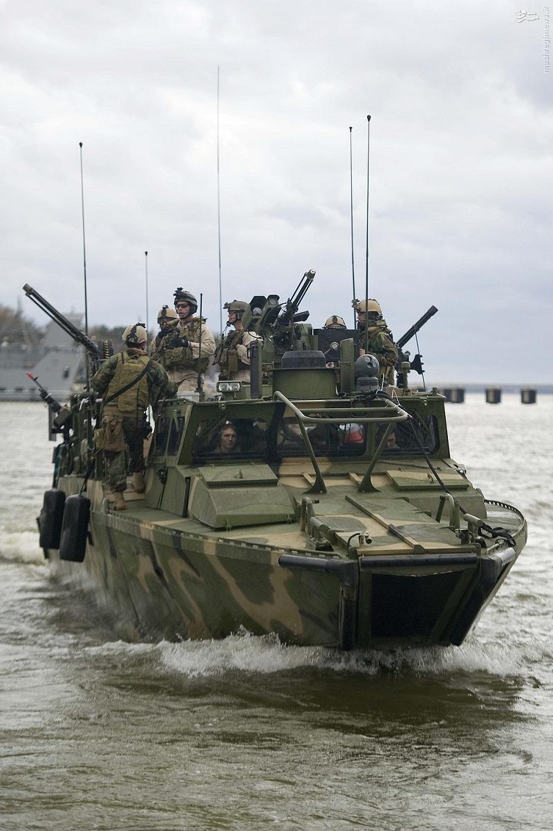 آشنایی با شناورهای توقیف شده آمریکایی توسط سپاه+عکس