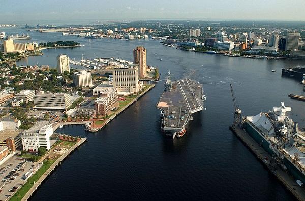 قایقهای تندرو سپاه به کدام ناو آمریکایی هشدار دادند؟+عکس