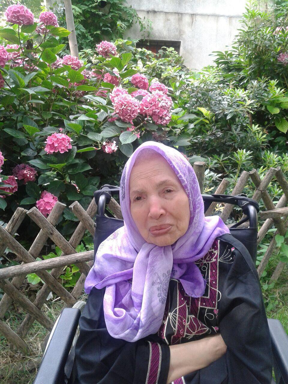 بانوی فرانسوی که ثروتش را در راه انقلاب اسلامی هزینه کرد