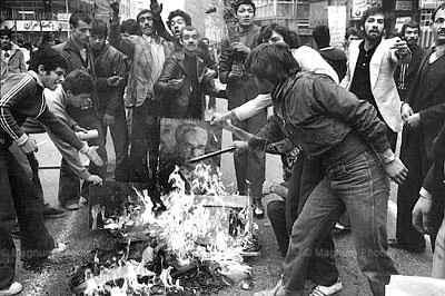 نتیجه تصویری برای كشتار مردم تهران به دستور بختيار در آخرين روزهاي عمر رژيم پهلوي