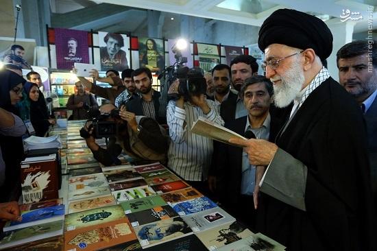 روایتی از متن و حاشیهی بازدید رهبر انقلاب از نمایشگاه کتاب