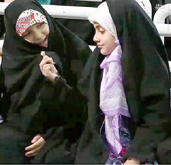 عکس/دختران دو شهید در بیت رهبری