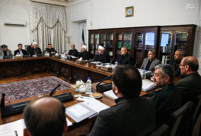 شورا با کممهری دولت جدید مواجه شد/ جلسات شورا در یک سال اخیر بینظم و مأیوسانه بود/ روحانی قول داد شورای عالی فناوری اطلاعات را معلق نگه دارد/ برای شبکه ملی اطلاعات فقط قول رسانهای میدهند//// آماده شد