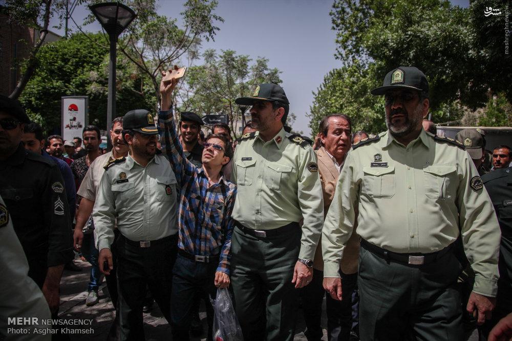 عکس/سلفی با رئیس پلیس تهران