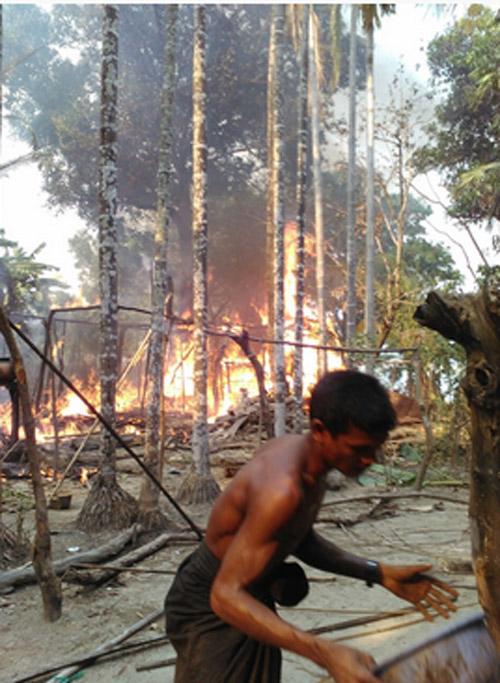 آتشزدن منازل و روستاهای مسلمانان در میانمار ادامه دارد +تصاویر