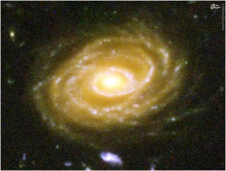 تصویر زیر یکی از این هزاران کهکشان است، کهکشان یو دی اف 423 که 10 بیلیون سال نوری با ما فاصله دارد.