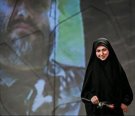 خاطره دختر شهید مغنیه از سخنرانی در برابر رهبر انقلاب/ اماده انتشار