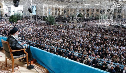 عکس/تفاوت معنادار جایگاه سخنرانی رهبر انقلاب