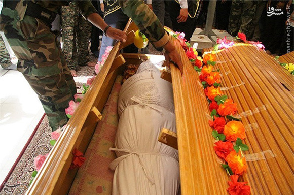 عکس/«برادران زینب» در حرم حضرت علی علیه السلام