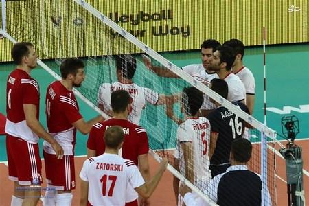 عکس/ درگیری لفظی بازیکنان ایران و لهستان