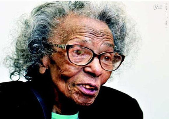 پیرزنی در 99 سالگی لیسانس گرفت + عکس