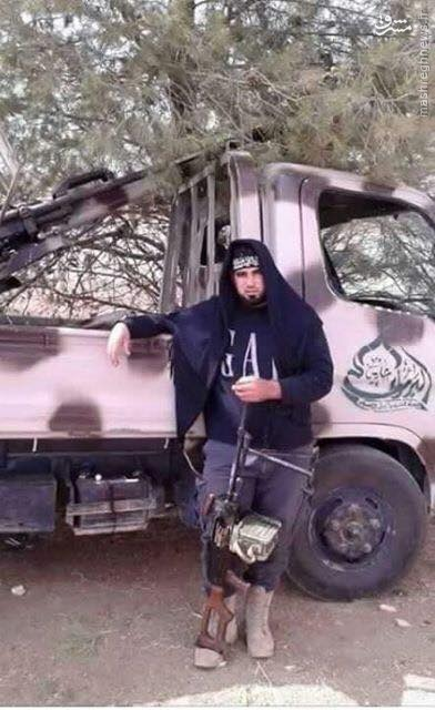 تفاصیل عملیات اشغال پادگان بزرگ 52 ارتش سوریه/ادامه سریال عقب نشینیهای نظامیان سوری از مراکز حساس نظامی/درگیریهای داخلی تروریستها به دهها کشته و زخمی