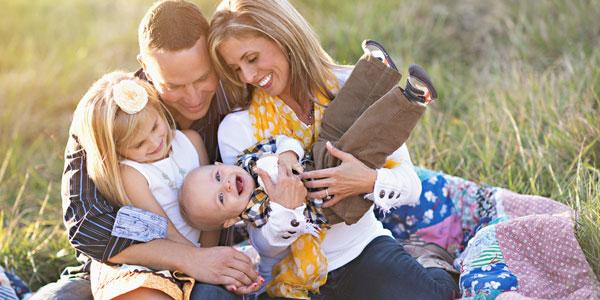 ۷ توصیه برای اینکه بهترین عکس خانوادگی را بگیرید!