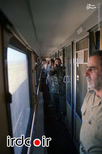 عکس/ اذان گفتن شهید صیادشیرازی در قطار