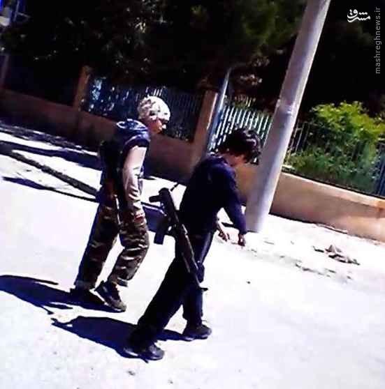 جولان کودکان مسلح در خیابانهای رقه+تصاویر