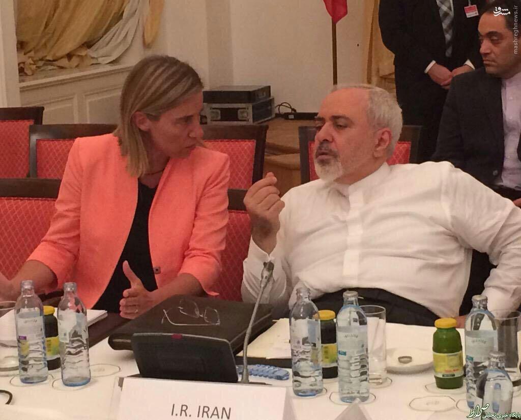 ظریف: غرب باید اعمال زور علیه ایران را فراموش کند/ مقام روسی: ظریف فریاد زد «هیچگاه یک ایرانی را تهدید نکنید»/ مقام آمریکایی: تحریم تسلیحاتی باقی میماند/ اوباما به سناتورها شانس توافق را کمتر از 50 درصد اعلام کرده است+عکس و فیلم