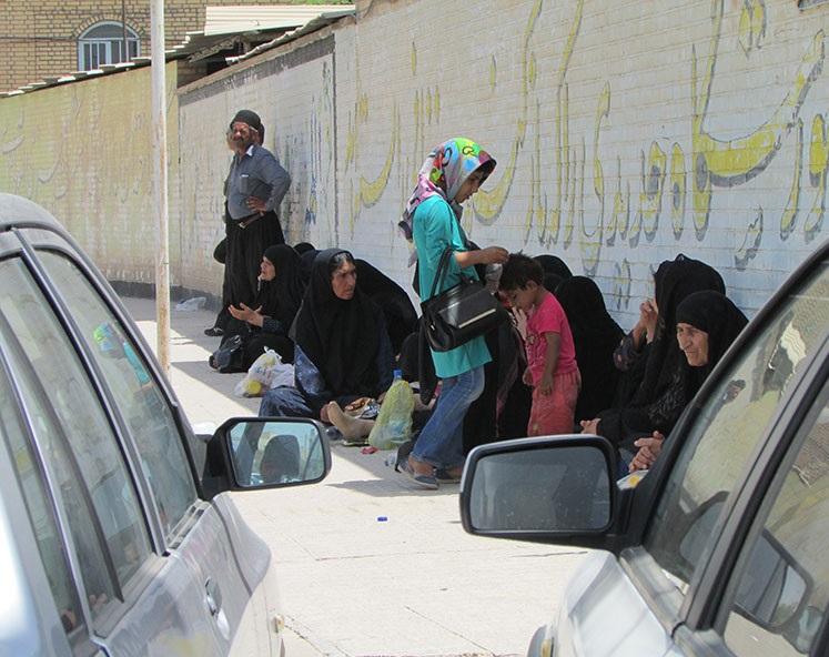 صف های طولانی سبدکالا در گرمای خوزستان+تصاویر