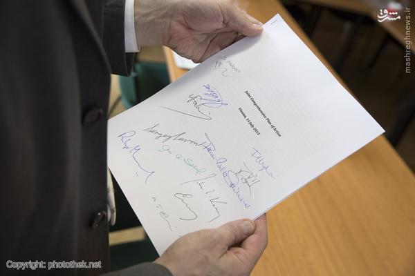 عکس/ امضای وزرای خارجه پای توافق