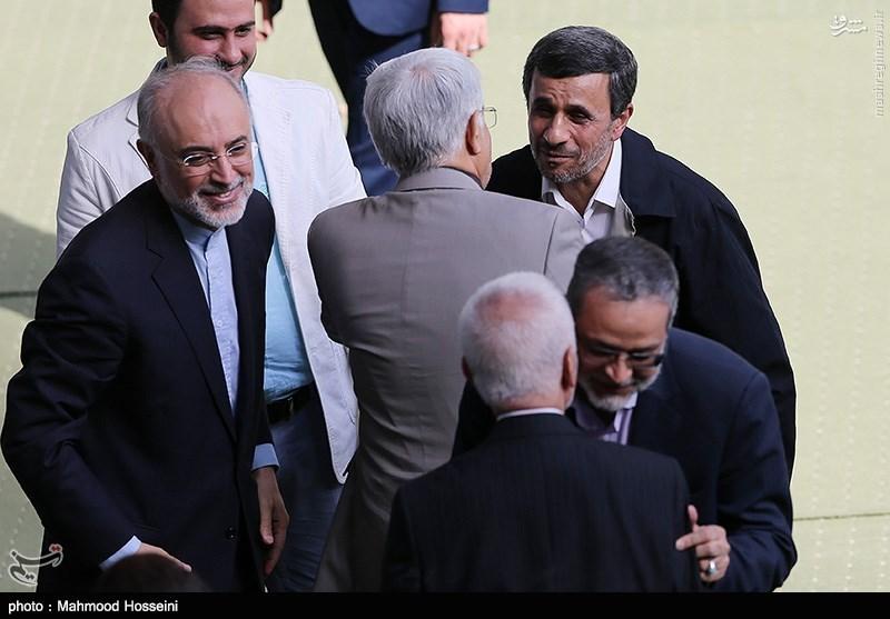 عکس/ روبوسی احمدی نژاد و عارف