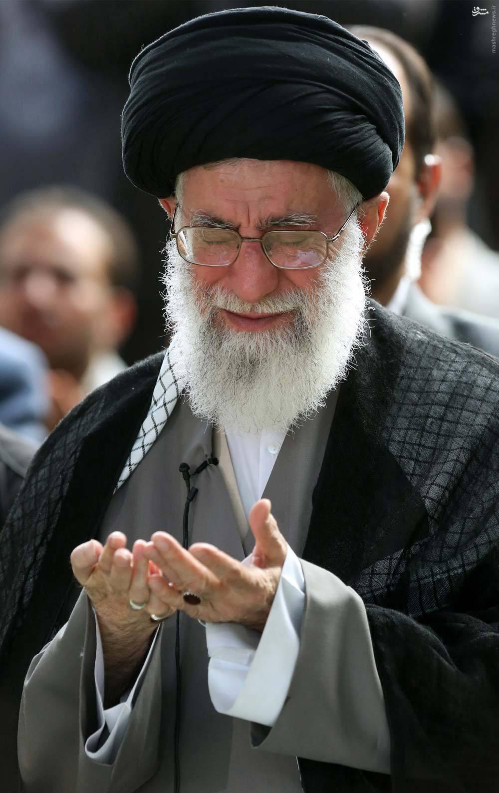 عید/ اشکهای حضرت آقا در قنوت نماز عید
