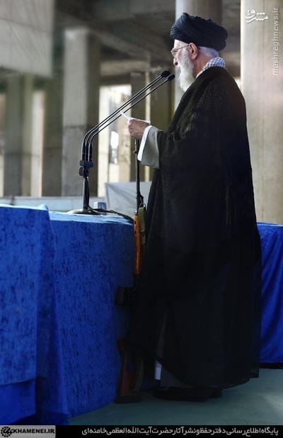 عکس/ تفنگی که رهبر انقلاب در دست داشتند